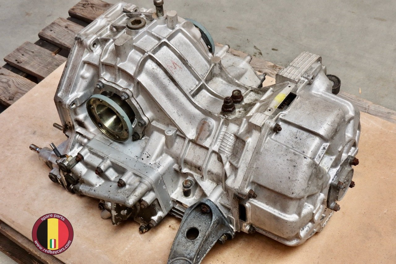 Ferrari_Mondial_34T_Gearbox_with_Clutch_Complete_4