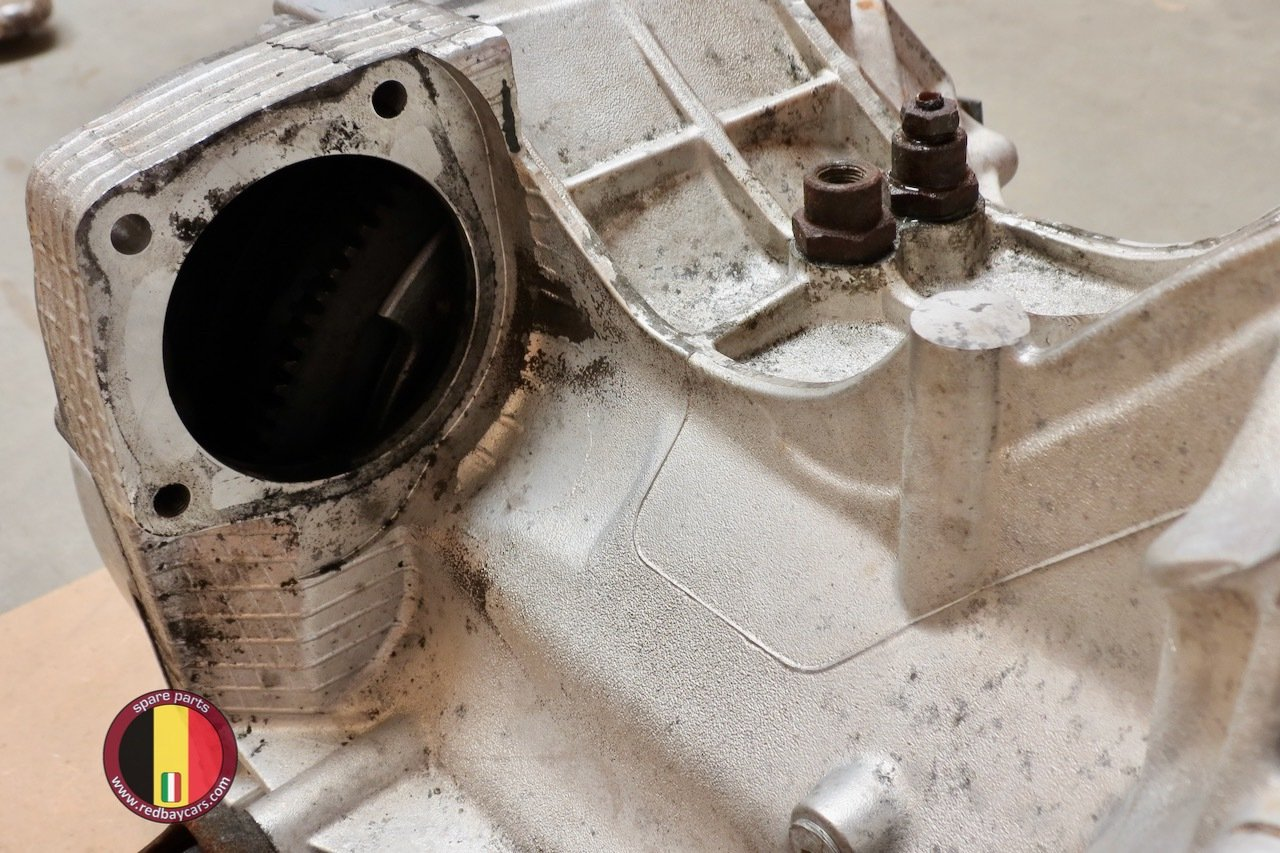Ferrari_Mondial_34T_Gearbox_with_Clutch_Complete_8